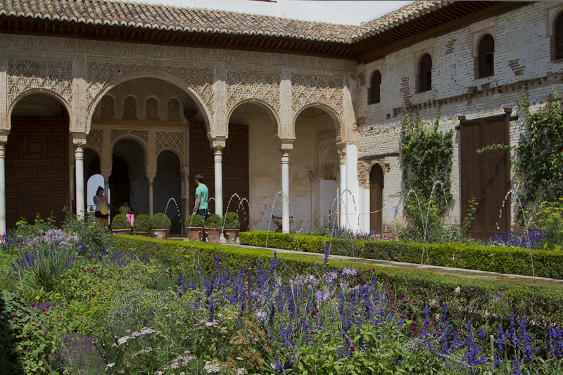 The spouting fountains of the Generalife sooth the rattled nerves of men and make women want to pee...