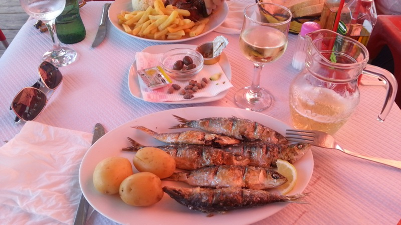 ...I chose the grilled sardines and vino verde.