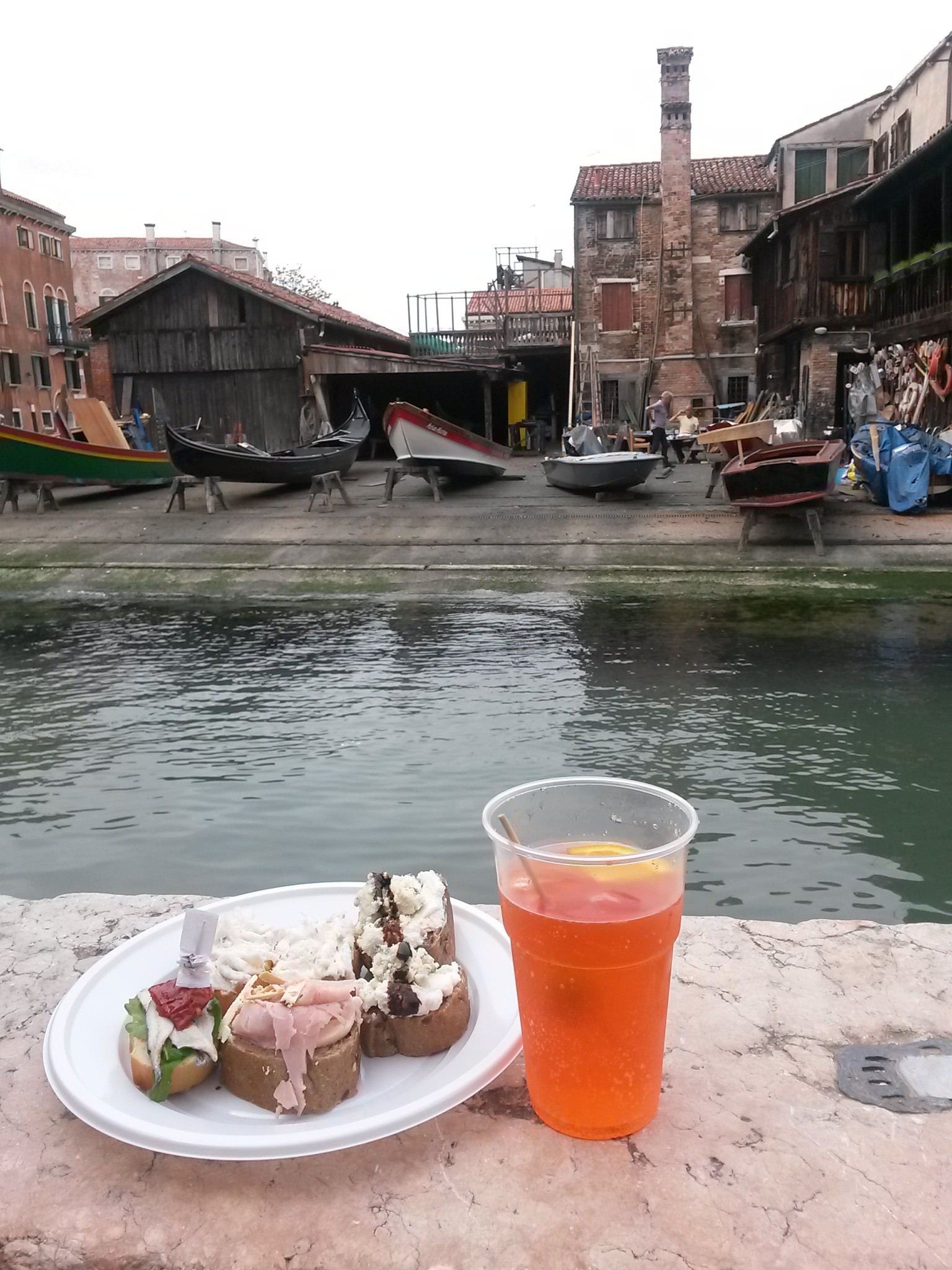 An Aperol spritzer and crostini make a nice canal side lunch...