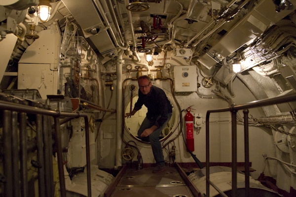 All hands to the torpedo tubes on the submarine Lembit...