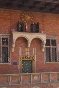 The musical clock in the courtyard sees key figures from the College's history parade in solemn procession on the hour