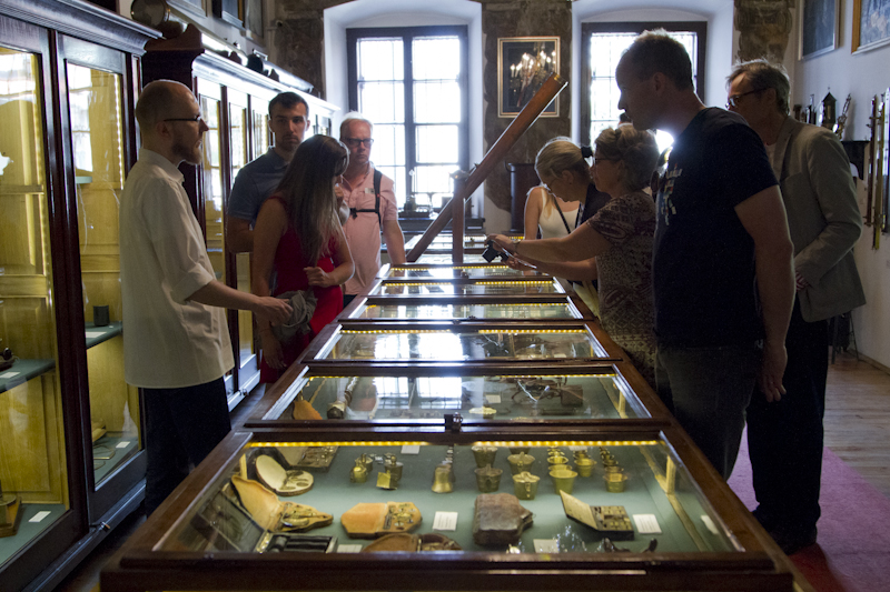 Exploring the history of science through hundreds of objects...